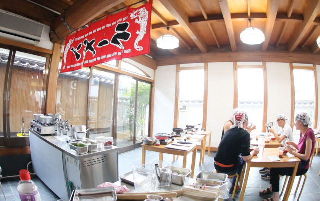 Muslims feel 'safe' cooking, eating halal ramen in Kyoto